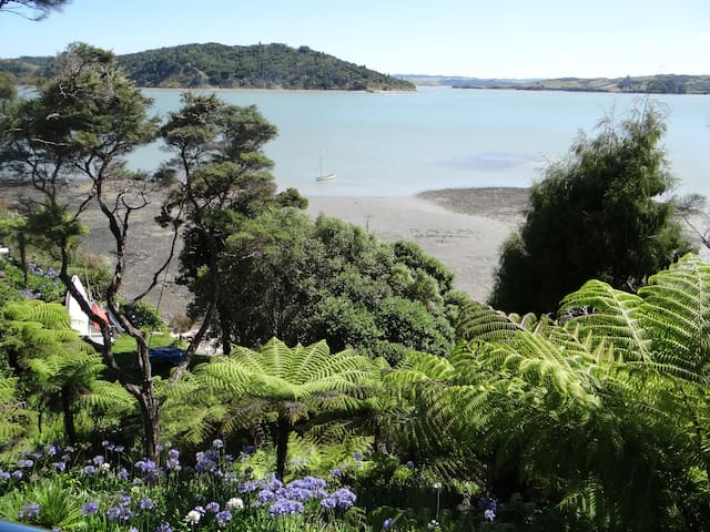 Moonlight Bay Retreat - Raglan - Apartment