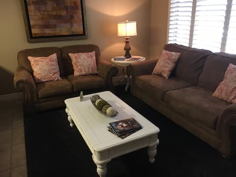 Large 1 BR with access to Las Palmas Resort pools