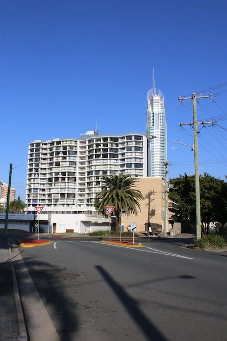 Close to Q1. 5 minute walk to Caville Ave and tram station