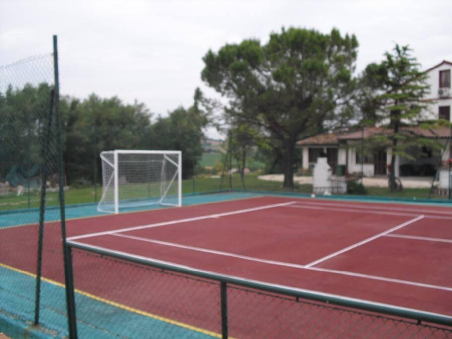 tennis/calcetto