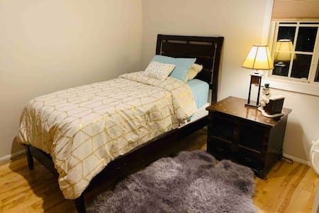 Bed & Breakfast for One in Van Nuys, Panorama City