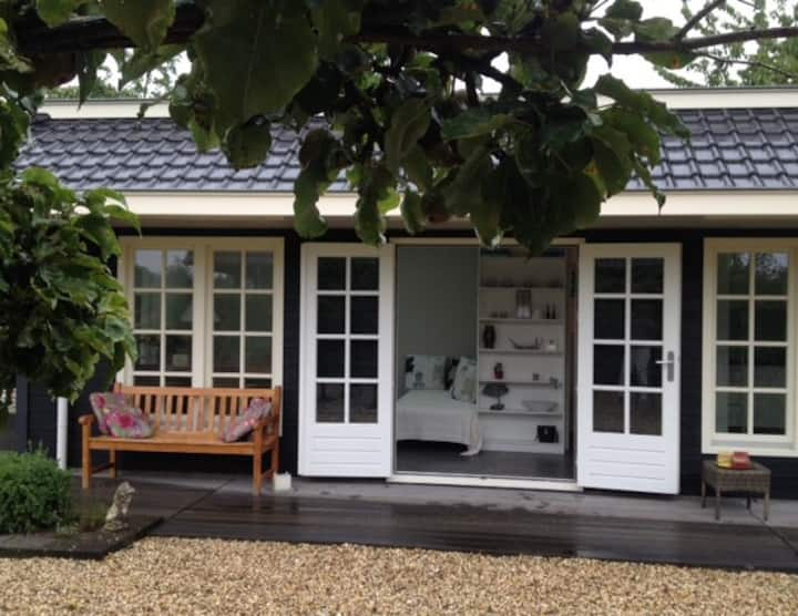 Charming private cottage near Rotterdam&Dordrecht