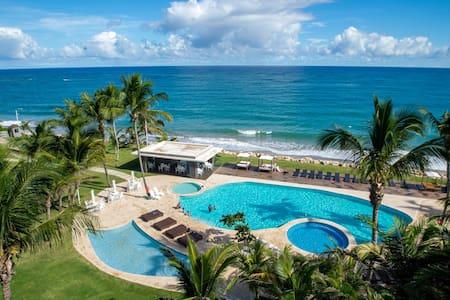 Luxury beachfront condo at 'Seawinds'