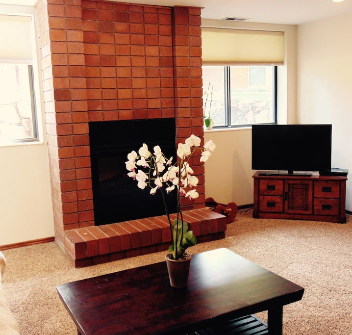 Quiet safe 2 bed 1 bath garage private entrance for 1 bedroom apartments in salt lake city