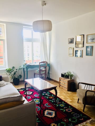 Perfect location - cozy room in shared apartment
