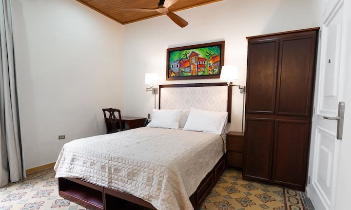 Casa Wilson Guest House, Deluxe Room 1 & 5 | First Floor | Handicap Access