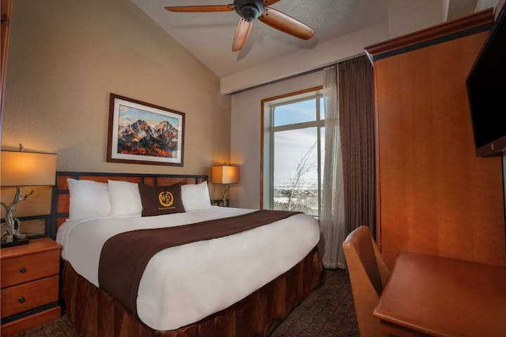 Ski in/out 2 Bedroom Apartment in Park City, Utah