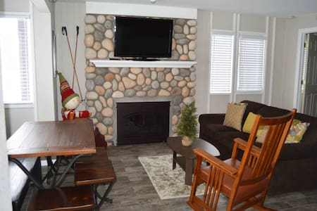 Boyne Mtn Nearly Slopeside-Great location - Boyne Falls, - Condominium
