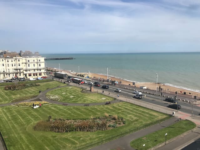 Penthouse Seaside 2 Bedroom in Perfect Location