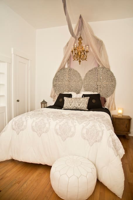 The serenely sumptuous bedroom boasts a deliciously comfortable queen bed with top quality linens.