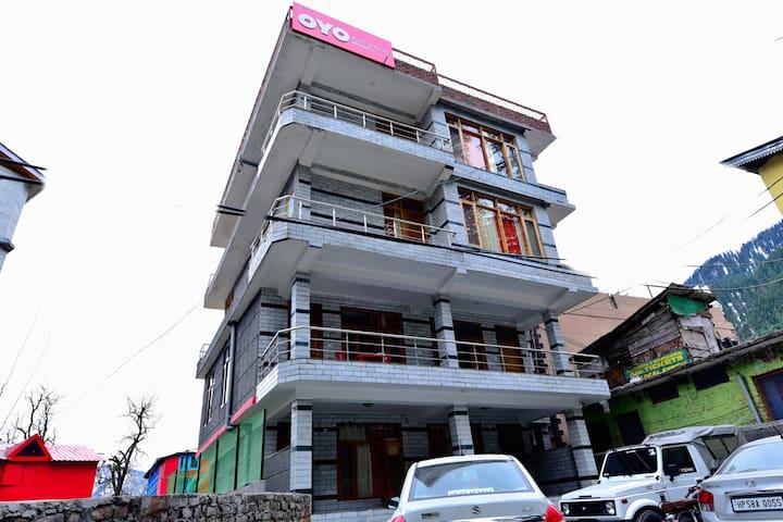 OYO - Classic 1BR Stay in Siyal, Manali-WOW! Deal