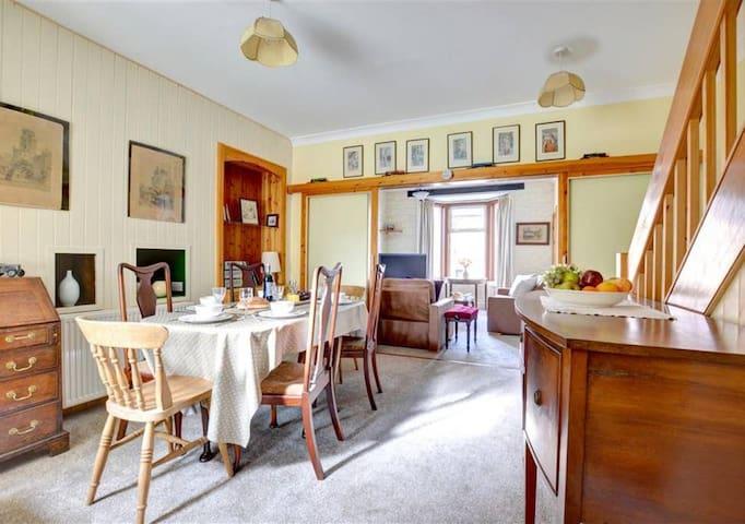 Eden Holidays - 19th Century House, Appleby