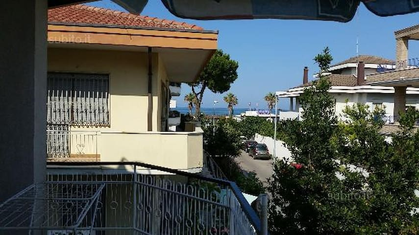 Appartamento 30 mt dal Mare Ristrutturato - Montesilvano - Lägenhet