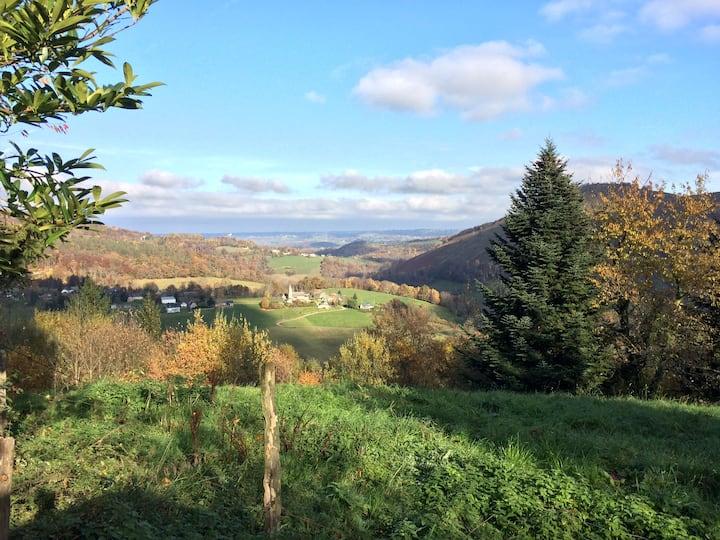 Fermette dans les Baronnies , Hautes -Pyrénées