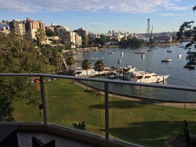 Waterfront ElizabethBay 1 Bedroom Apt, on the park - Elizabeth Bay - Apartamento