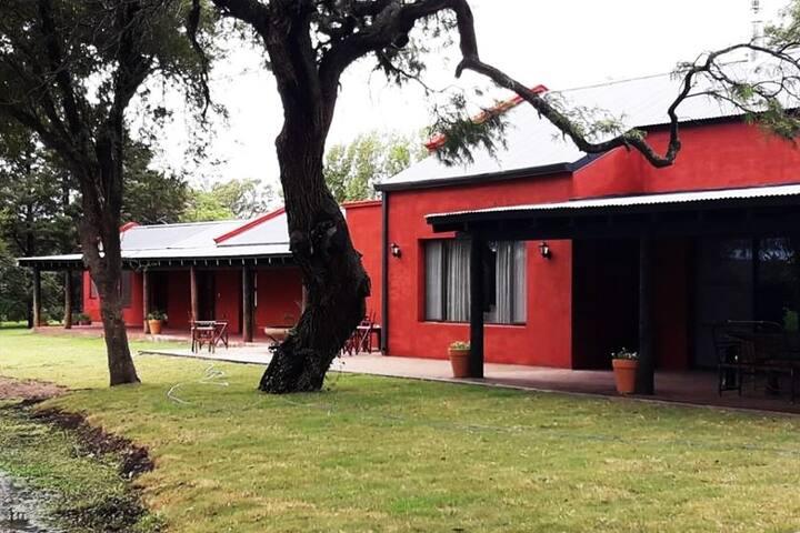 Hotel  en Villa de Totoral Cordoba  con desayuno