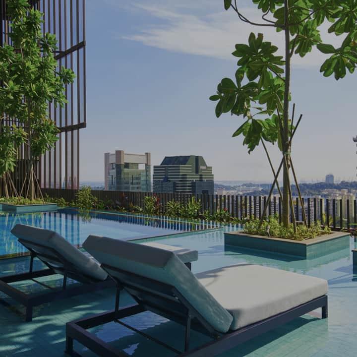 Deluxe 2BR Apartment near MRT