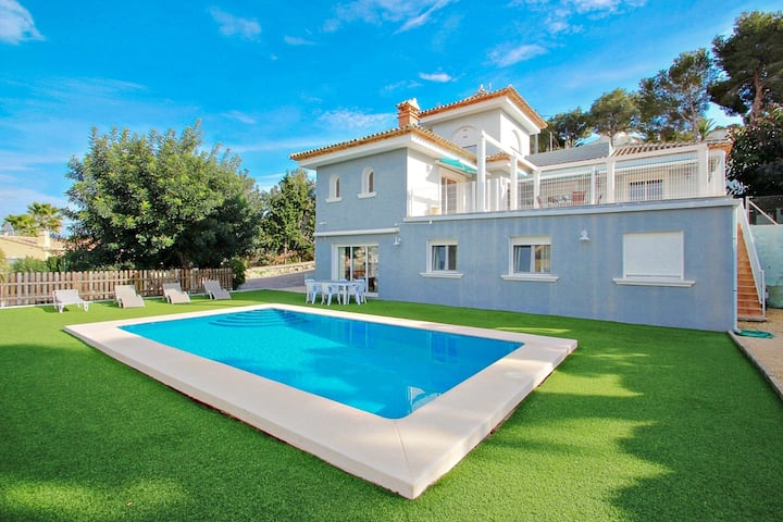 Gema - pretty holiday home with private pool in Calpe