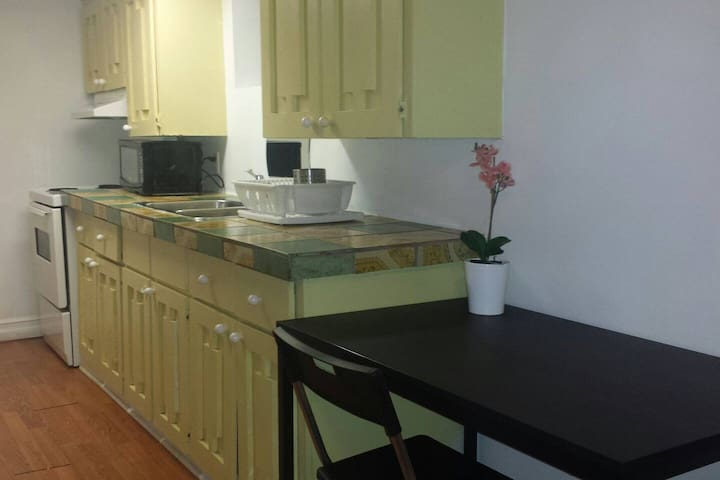 Long term basement apartment 1bed+1bath