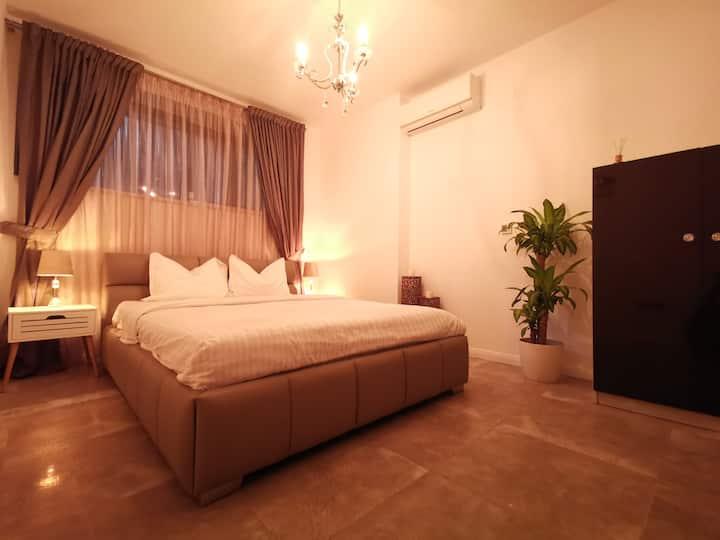 KUBIQ Residence - Deluxe Double Room