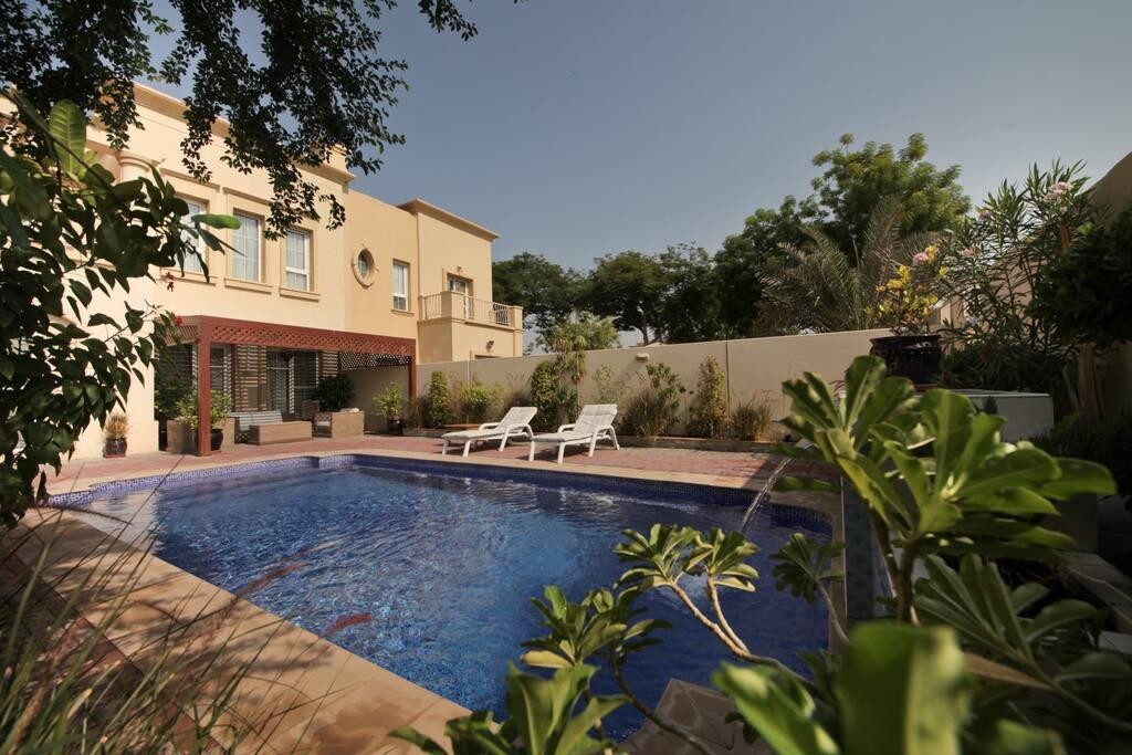 Luxury 4 Bed Villa Private Pool 8mins From Beach Villas For Rent In Dubai Dubai United