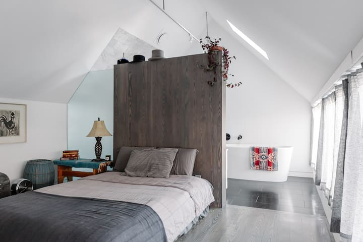 Japanese Inspired Guest House - RiNo / Cole Hood