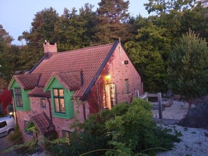 Ny leilighet i Fevik. Rolige og fine omgivelser.