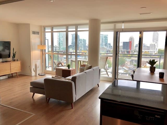 Modern Downtown Condo on King West