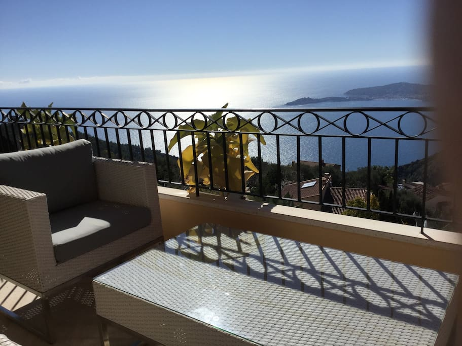 Salon terrasse vue mer