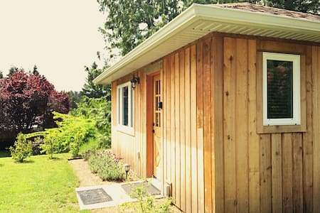 Cedar Cottage - a Private Self Contained Cottage