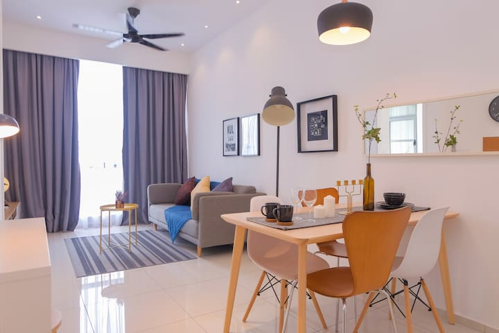 Warm&Comfortable 1BR Suite right in KL City Center