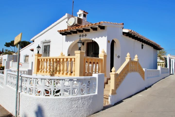 Alcazar - holiday bungalow in peaceful surroundings in Teulada