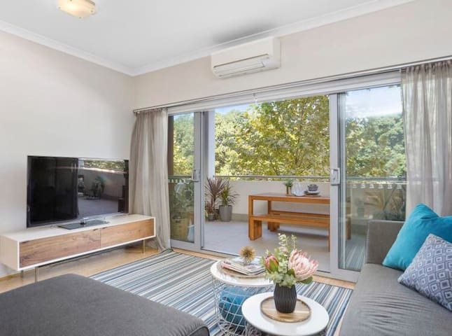 Perth CBD Luxe 2x2 Apartment Excellent Location