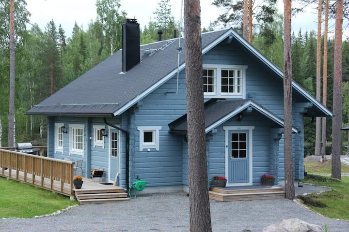 """Cottage """"Safiiri"""""""