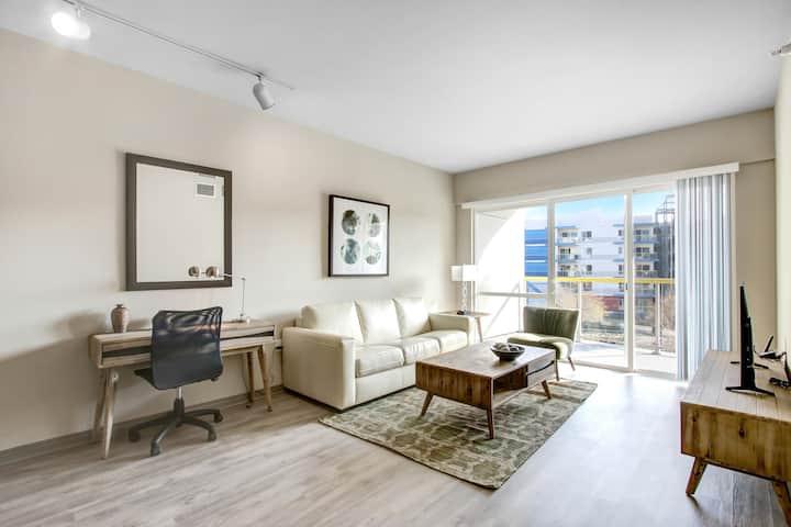 1BR Apartment near Sinai Marina Del Rey Hospital