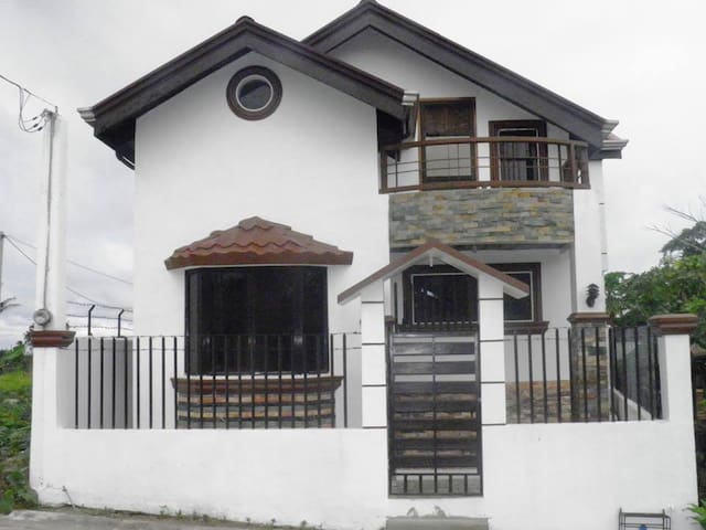 Vacation House for Rent in Silang-5mins toTagaytay