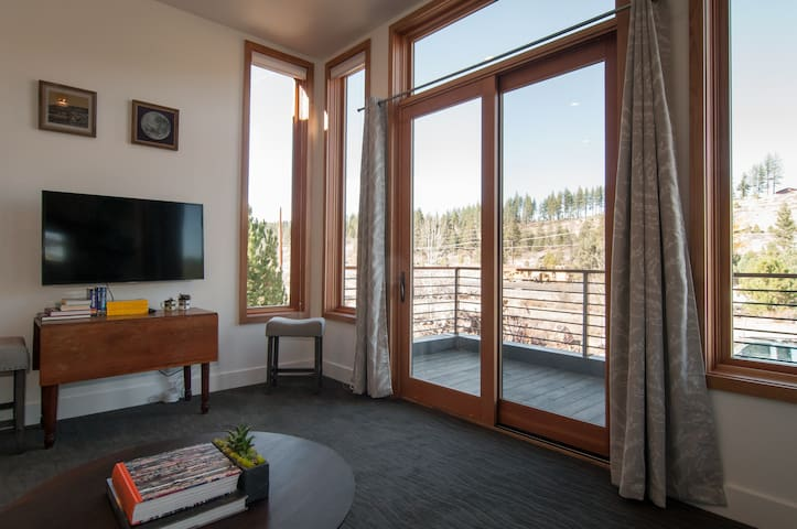 East River Legacy Trail 1BR near Downtown Truckee