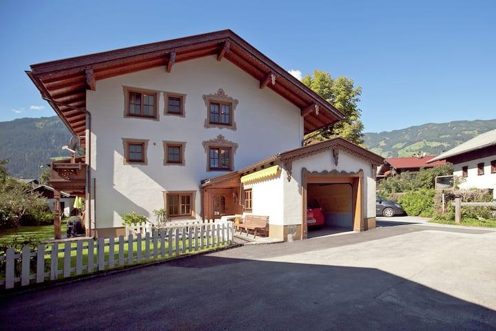 Mooi vakantiehuis in Uderns in de buurt van het skigebied