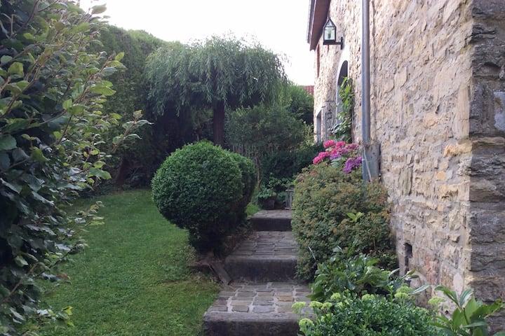 Chez Tante Momo : 2 chambres dans maison , à Theux