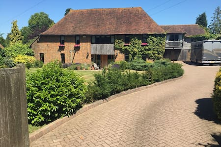 Detached, open plan, south facing, barn apartment. - Tenterden - Lejlighed