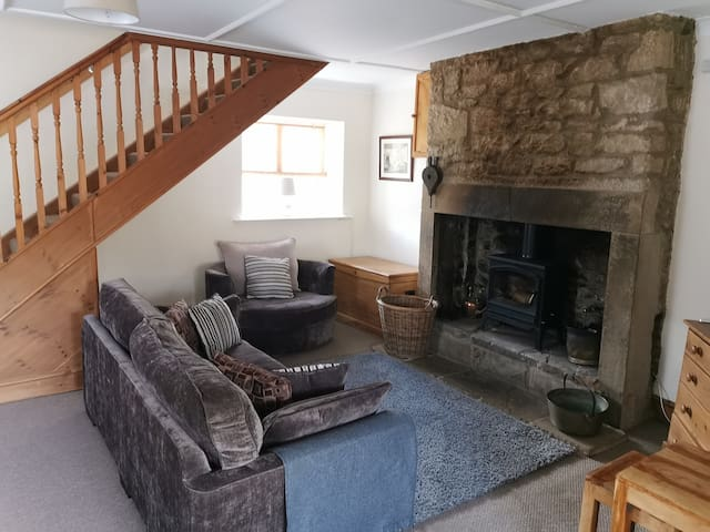 Cosy Cottage, Comfy bed, explore North East
