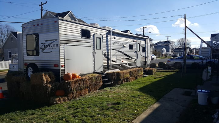 RV Camper,explore the shore