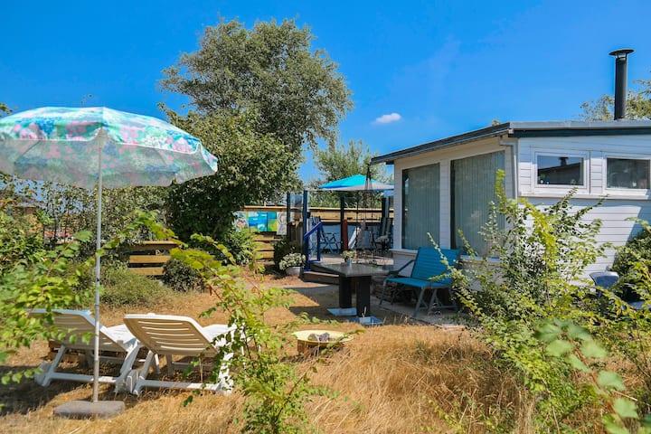2p. mobile home 'Het kleine huis' near Lauwersmeer