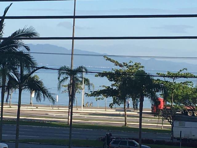 Suíte aconchegante na Av.Beira Mar Norte.
