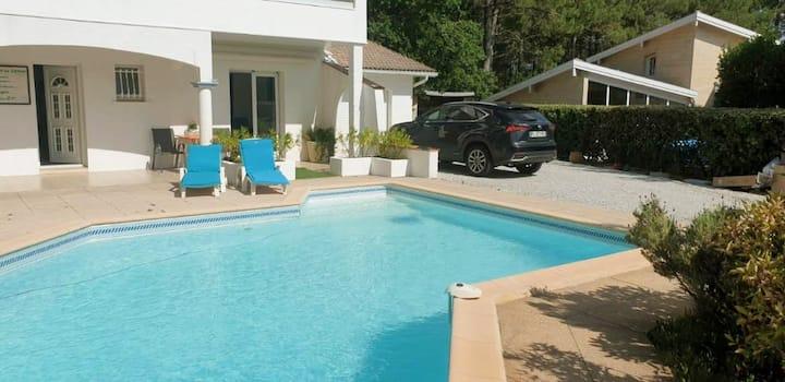 Charmant appart. dans maison avec piscine chauffée
