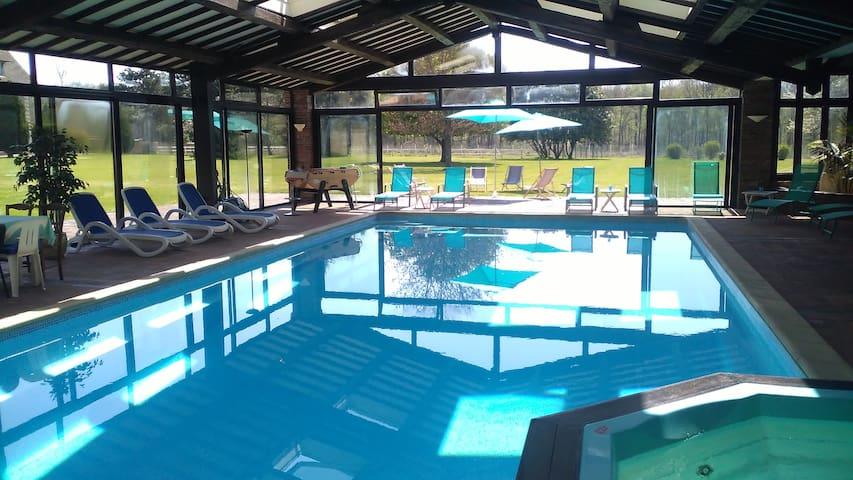 Domaine de charme + piscine INTERIEUR CHAUFFEE