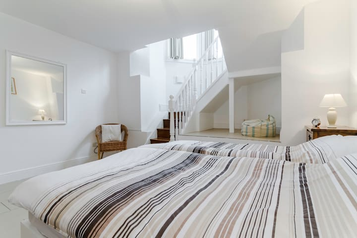 100% PRIVATE COZY 4* 4/P APARTMENT BATHRM KITCHEN - London - Flat