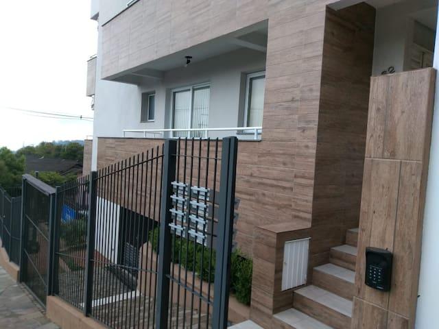 Apto andar térreo, 2 dormitórios no Maria Goretti