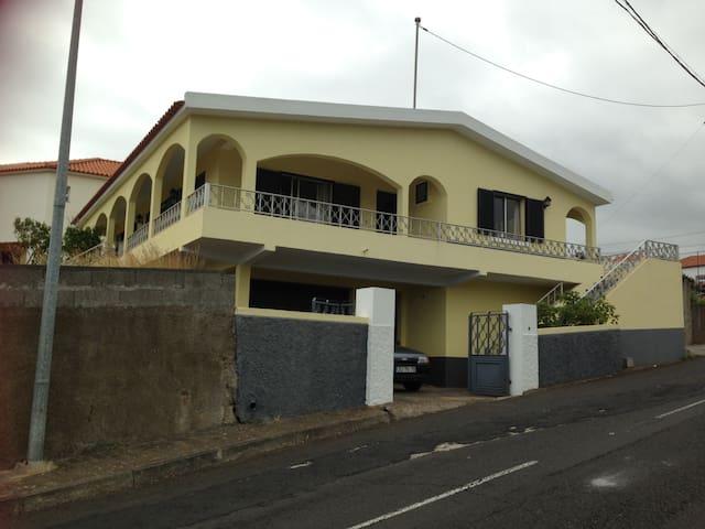 Casa Amarela - Santa Cruz - House