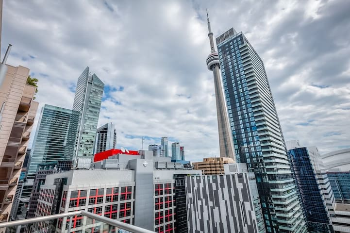 PRIME LOCATION UNIT NEXT TO CN TOWER, TIFF&MTCC